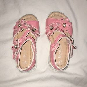 Sandals. Size 4 toddler